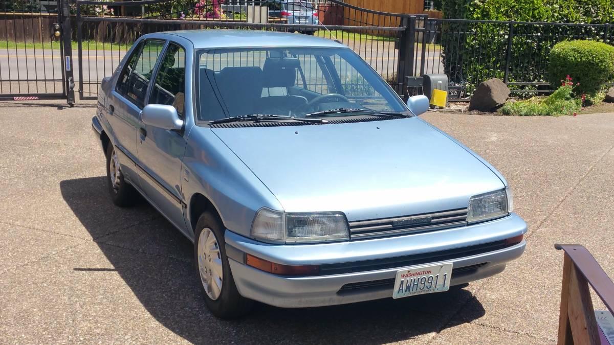 Rare Rides: Этот 1990 Daihatsu Charade — сущность автомобиля