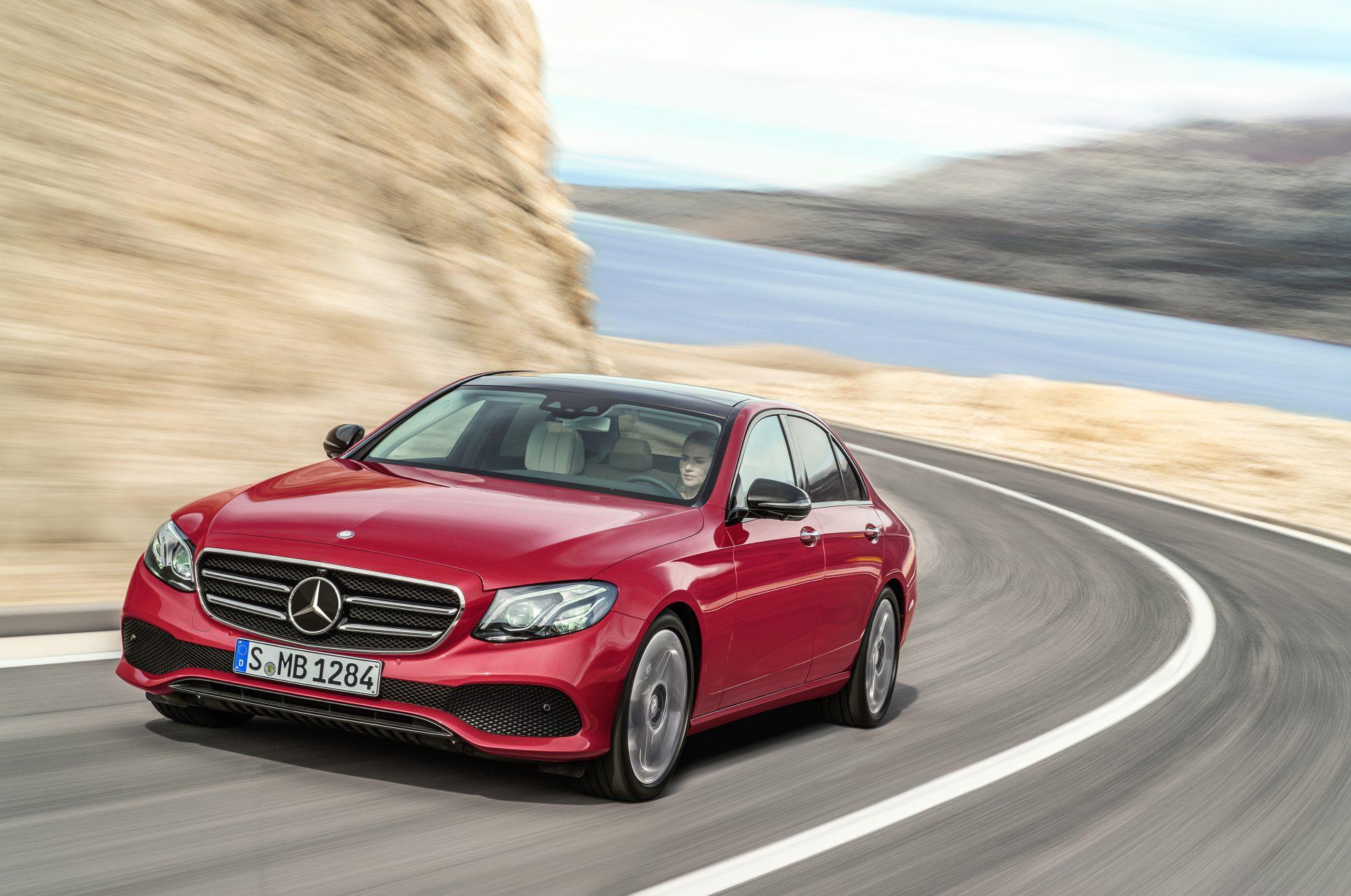 Классный иск исходит от Nasty Mercedes-Benz HVAC Systems