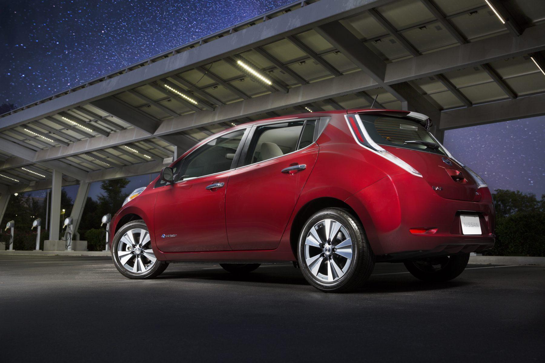 Канадская провинция будет использоваться для сбрасывания грунта Nissan Leaf