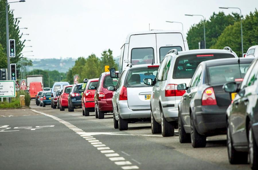 Выборы в Великобритании: Консерваторы запретят автомобили с двигателями внутреннего сгорания к 2050 году