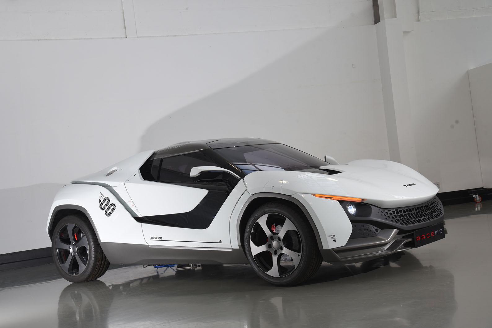 Insight: первый спортивный автомобиль Tamo, Racemo