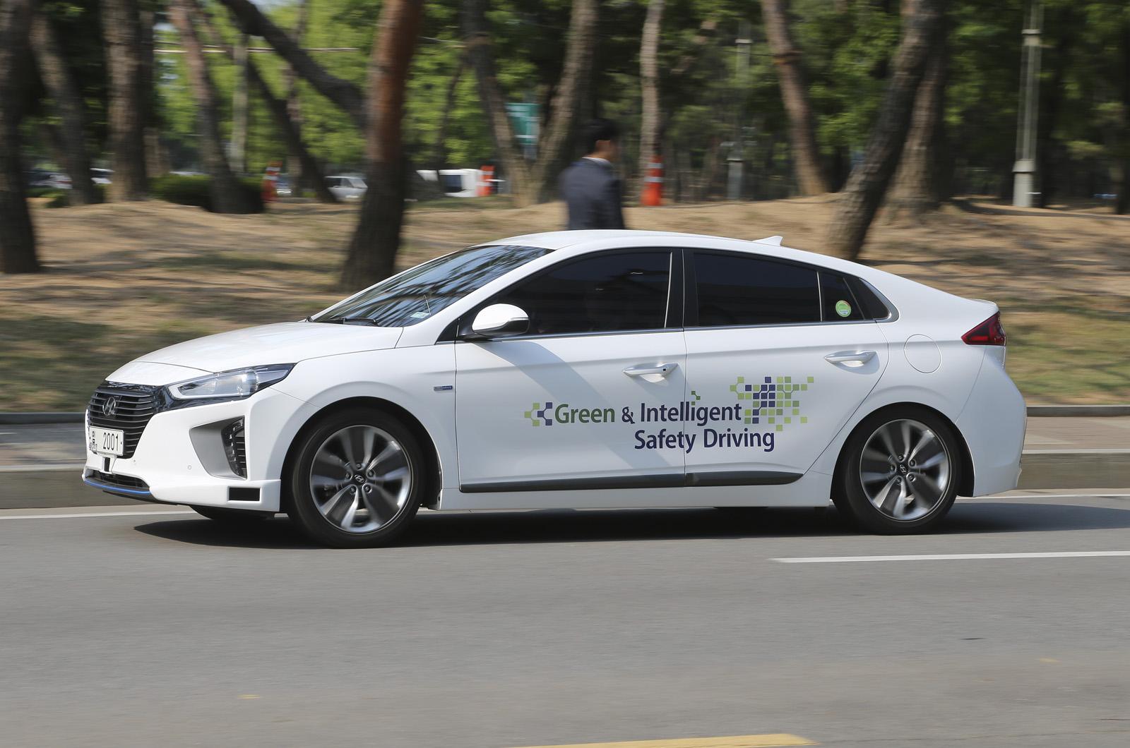 Hyundai Ioniq гибридный автономный — первая поездка