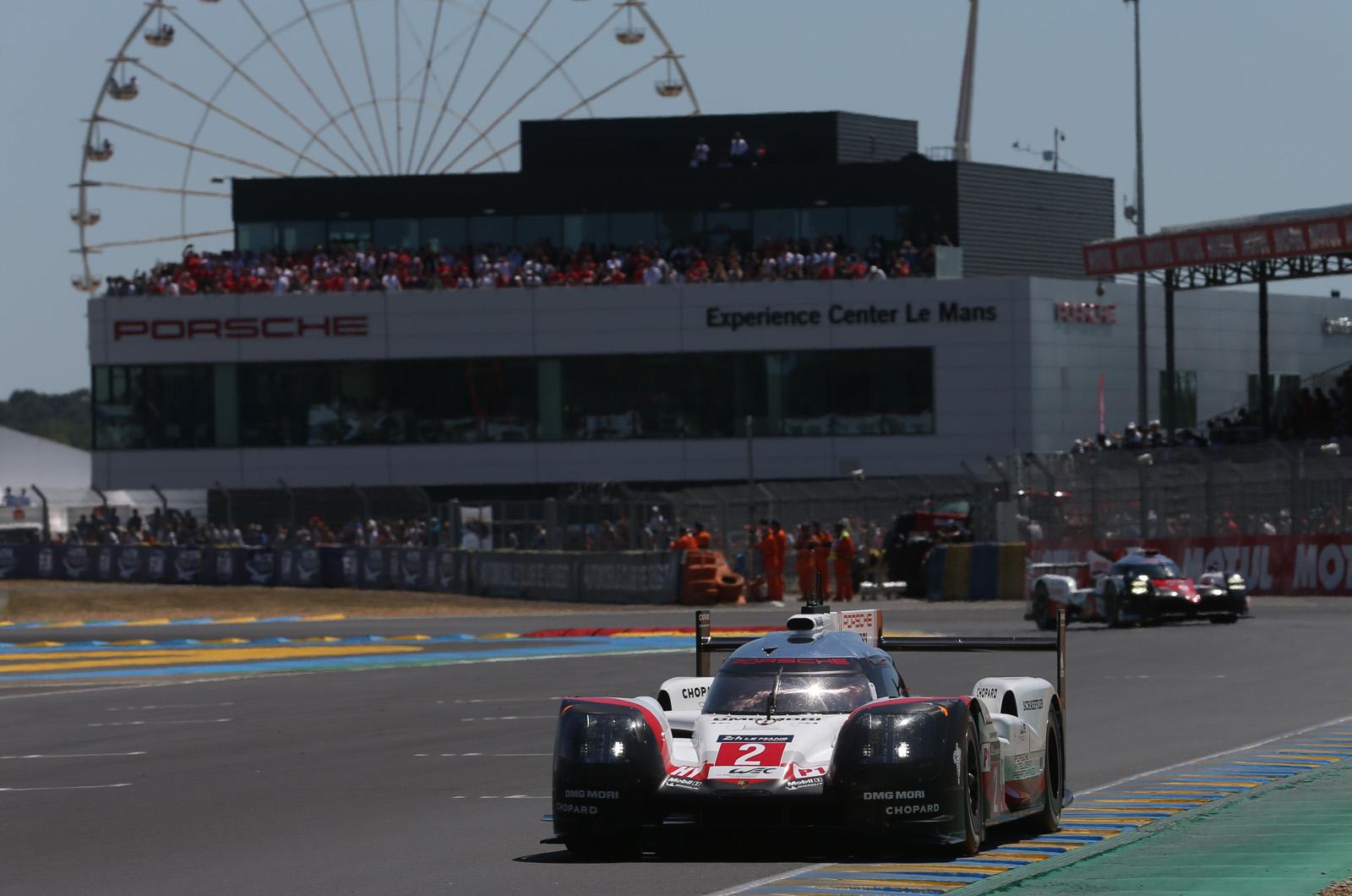 Porsche забирает драматические 24 часа Ле-Мана