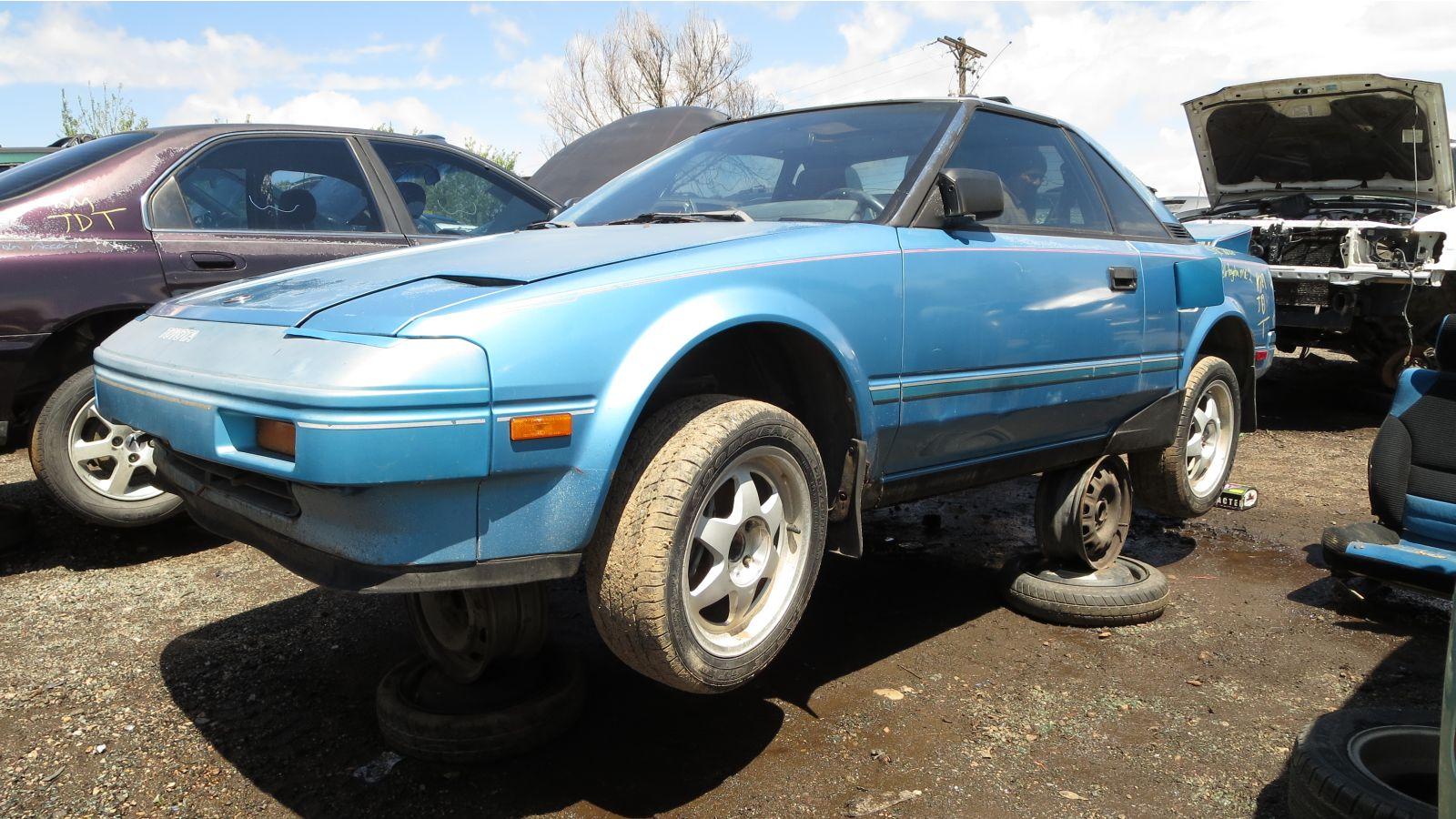 Junkyard Найти: 1986 Toyota MR2