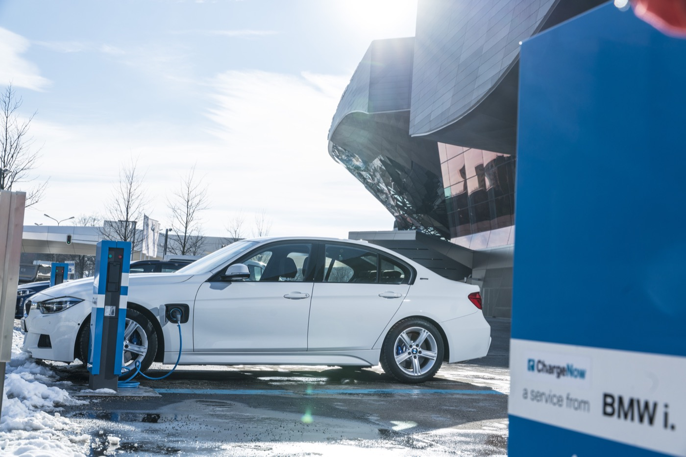 QOTD: вы хотите модель Tesla 3 или электрический BMW 3 серии?