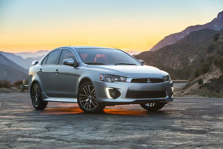 С Clock Ticking, будущее пассажирского автомобиля Mitsubishi по-прежнему остается пустой шифер
