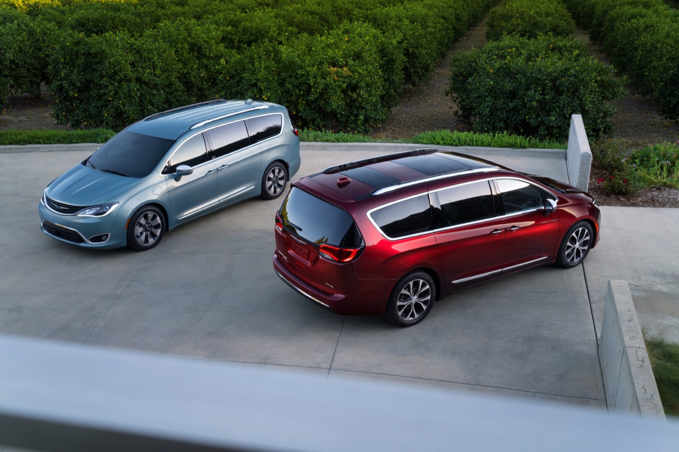 Fiat Chrysler отключил гибридное производство Pacifica на фоне отзыва безопасности: отчет