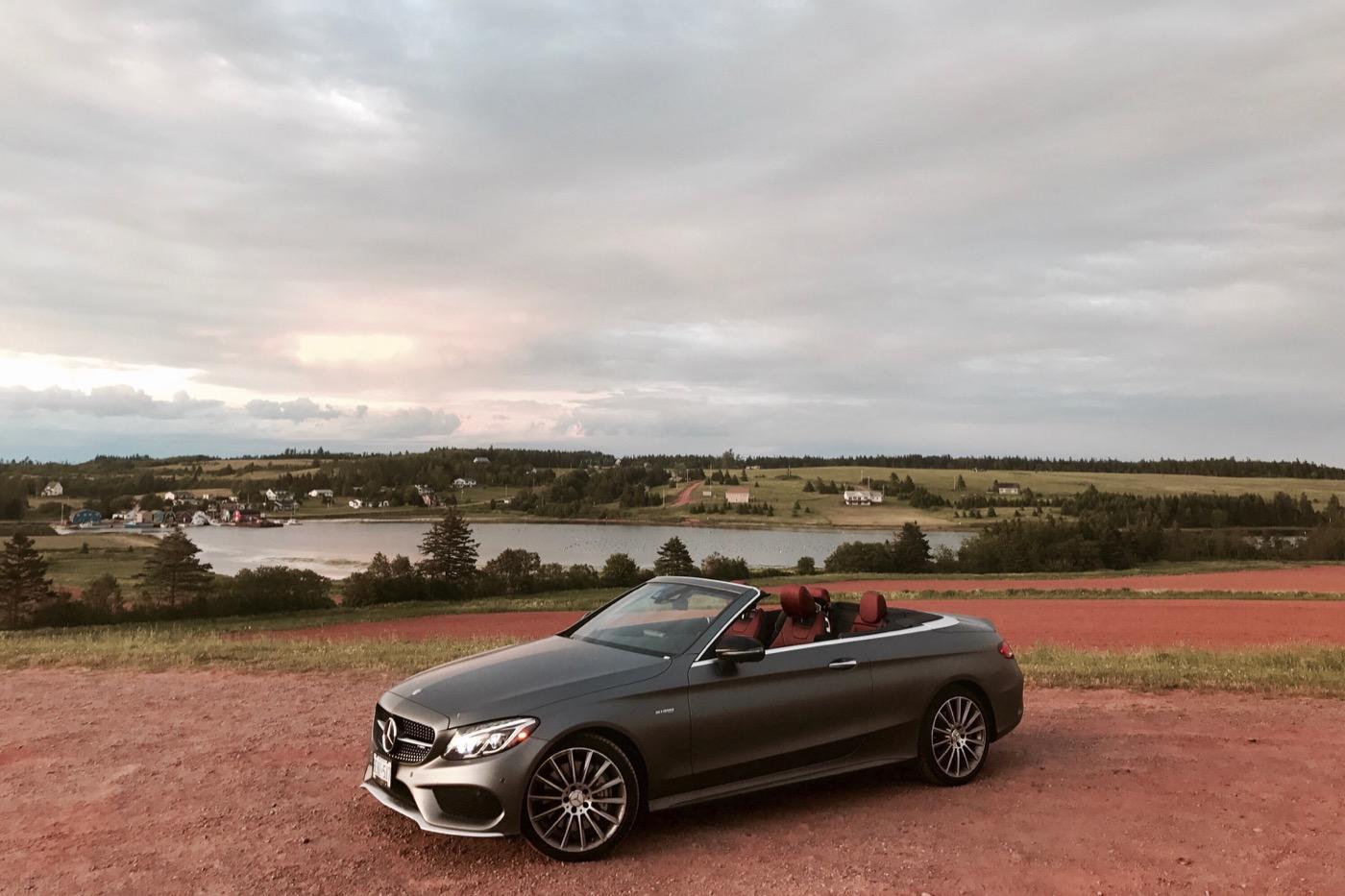 Что я могу найти возле моего нового дома PEI в одном вечернем путешествии в кабриолете Mercedes-AMG C43 2017 года?