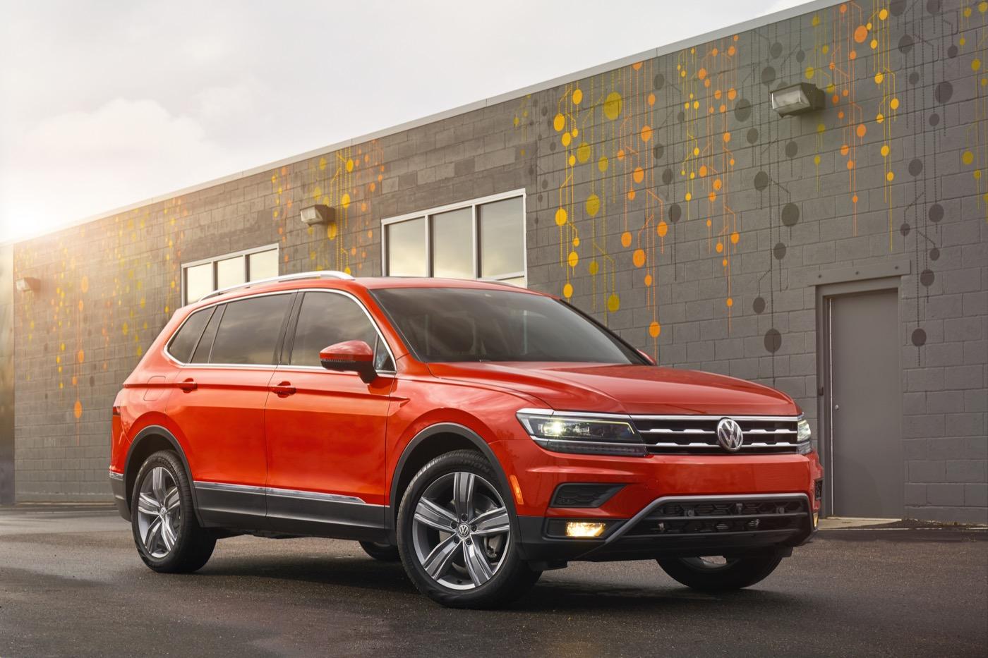 2018 Volkswagen Tiguan Priced От $ 26,245, Третья линейка стоит 500 раз больше, чем Challenger Demon's Second Row