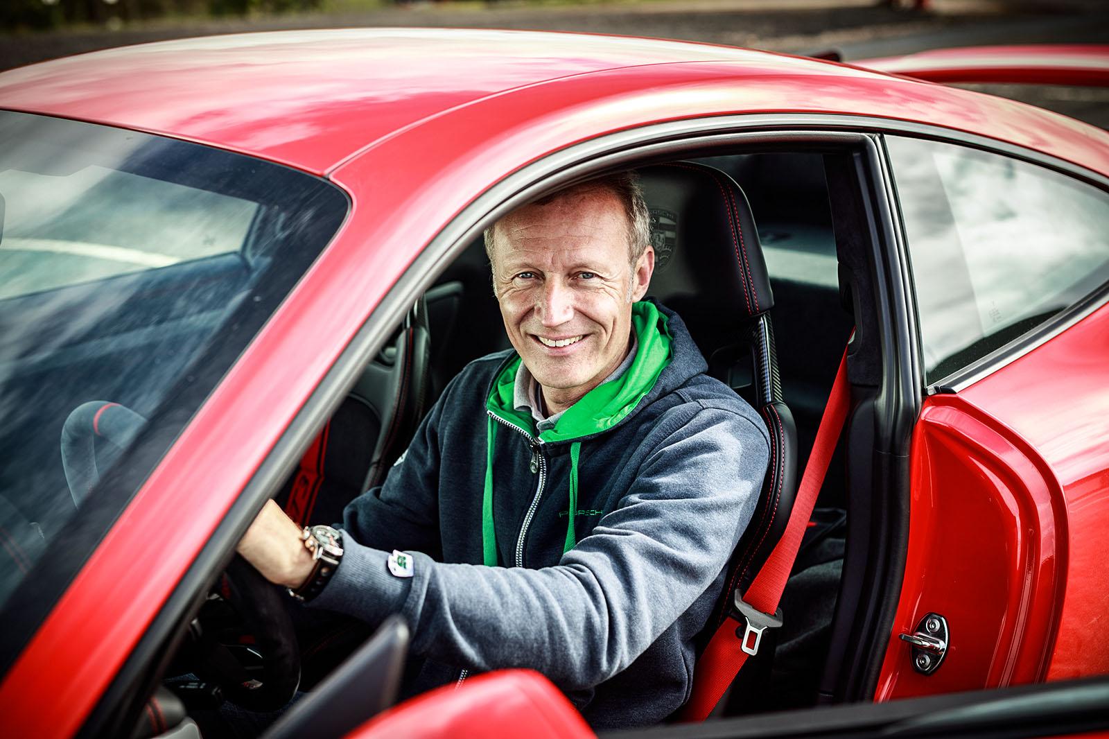 Интервью: человек, который отлично делает автомобили Porsche GT-series