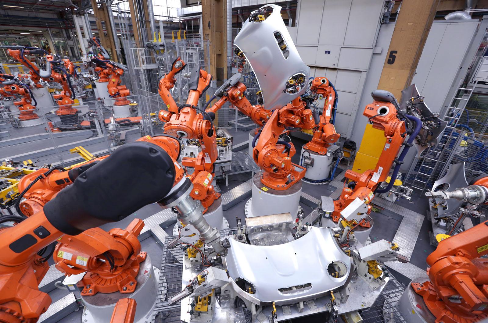 Британская автомобильная промышленность: правительство должно обеспечить временное соглашение ЕС, чтобы избежать краха «обрыва»