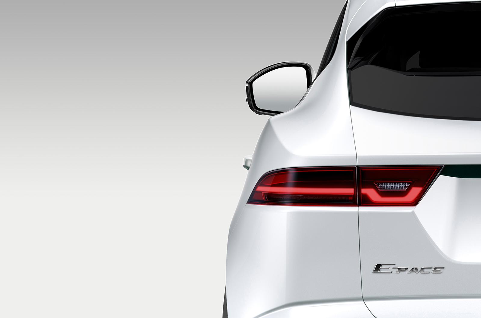 Первые фото: выпущено тиражное изображение Jaguar E-Pace