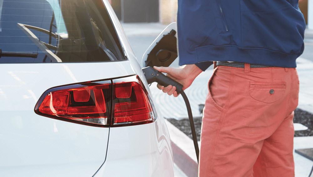 Калифорния требует, чтобы VW строили электрические зарядные станции в бедных окрестностях