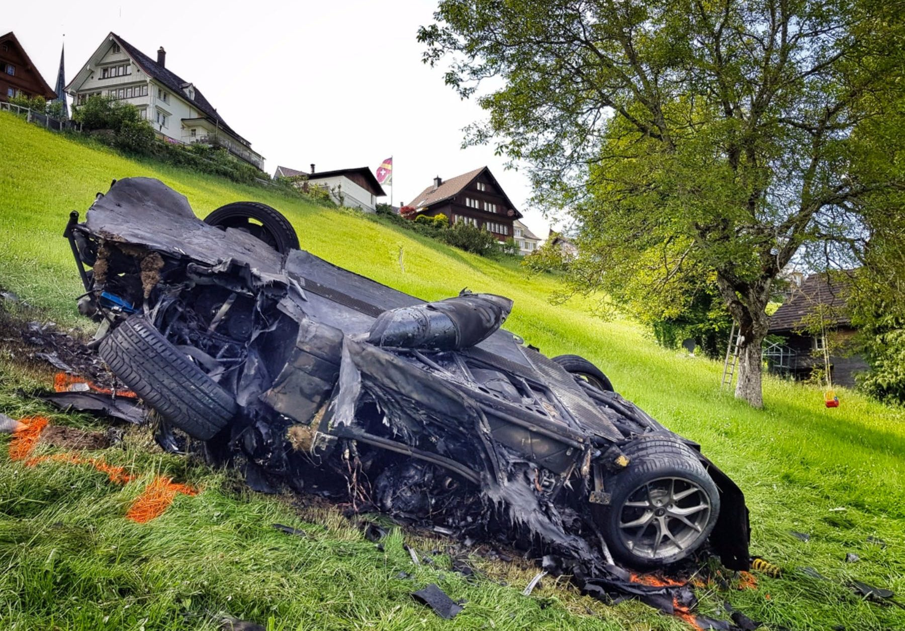 Ричард Хаммонд, очевидно, не может быть убит автомобилями