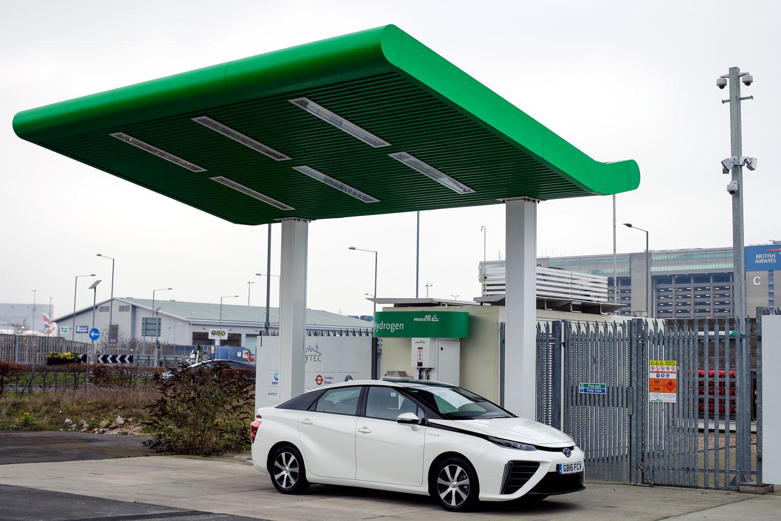 Обзор долгосрочной проверки Toyota Mirai: первый отчет
