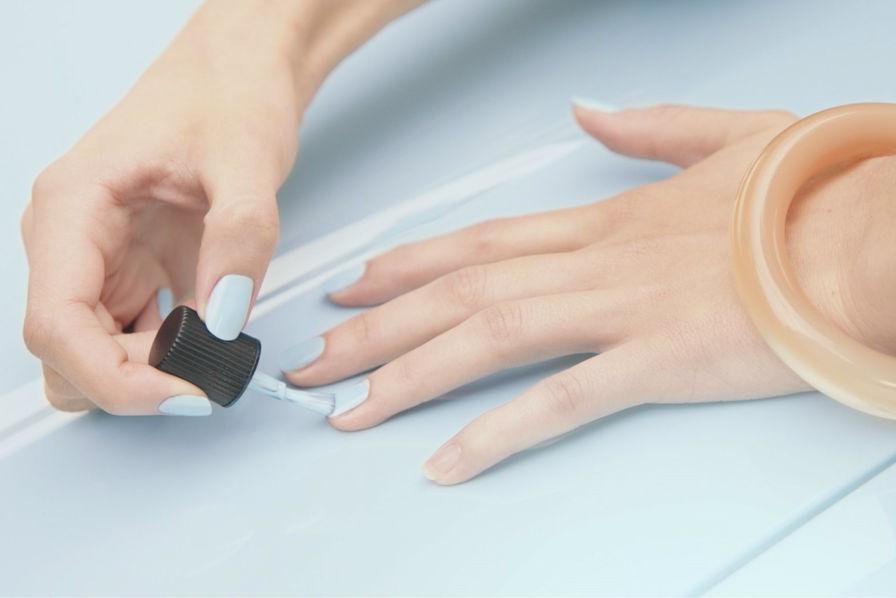 Лак для ногтей сочетается с … Twingo!