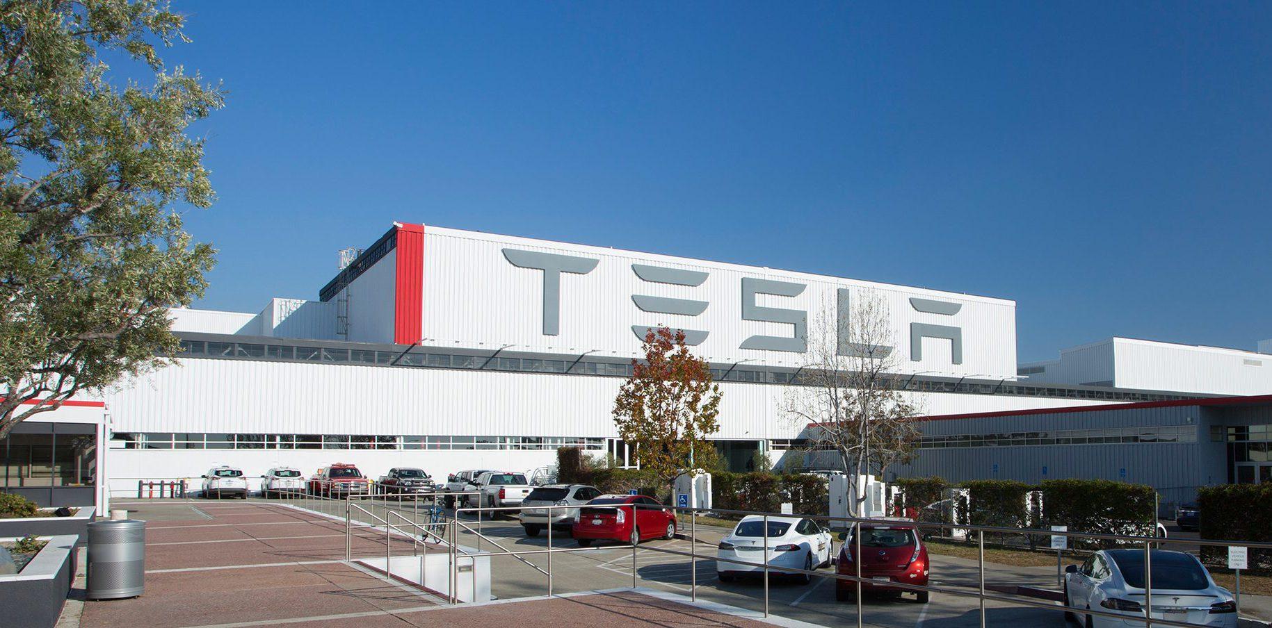 Elon Musk планирует выполнить те же задачи, что и травмированная рабочая сила Теслы