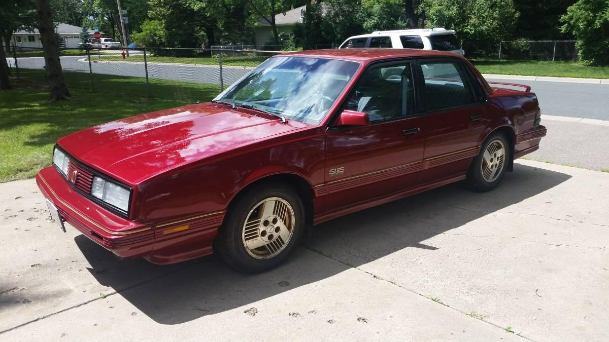 Rare Rides: этот Pontiac с 1990 года оснащен полным приводом и 6000 кнопками