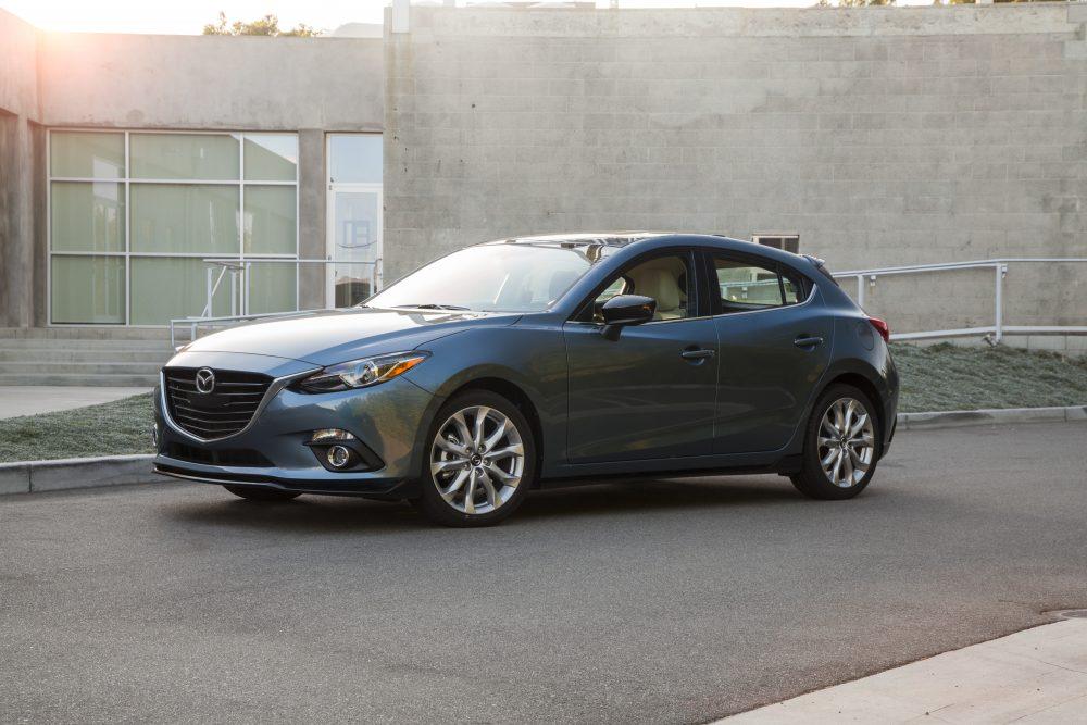 Напомним, смотреть: на Mazda, кажется, что ржавчина никогда не спит