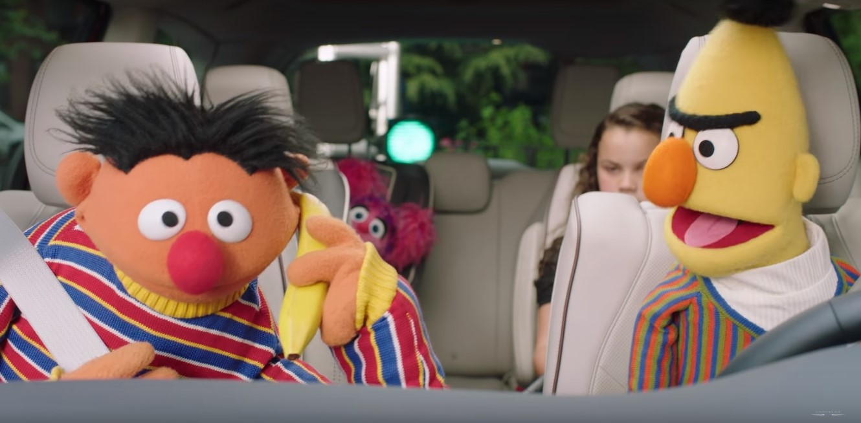 Время объявления: многообещающая Улица Сезам Chrysler Promotion Разрушенная Гаем Смайли, Теория большого взрыва