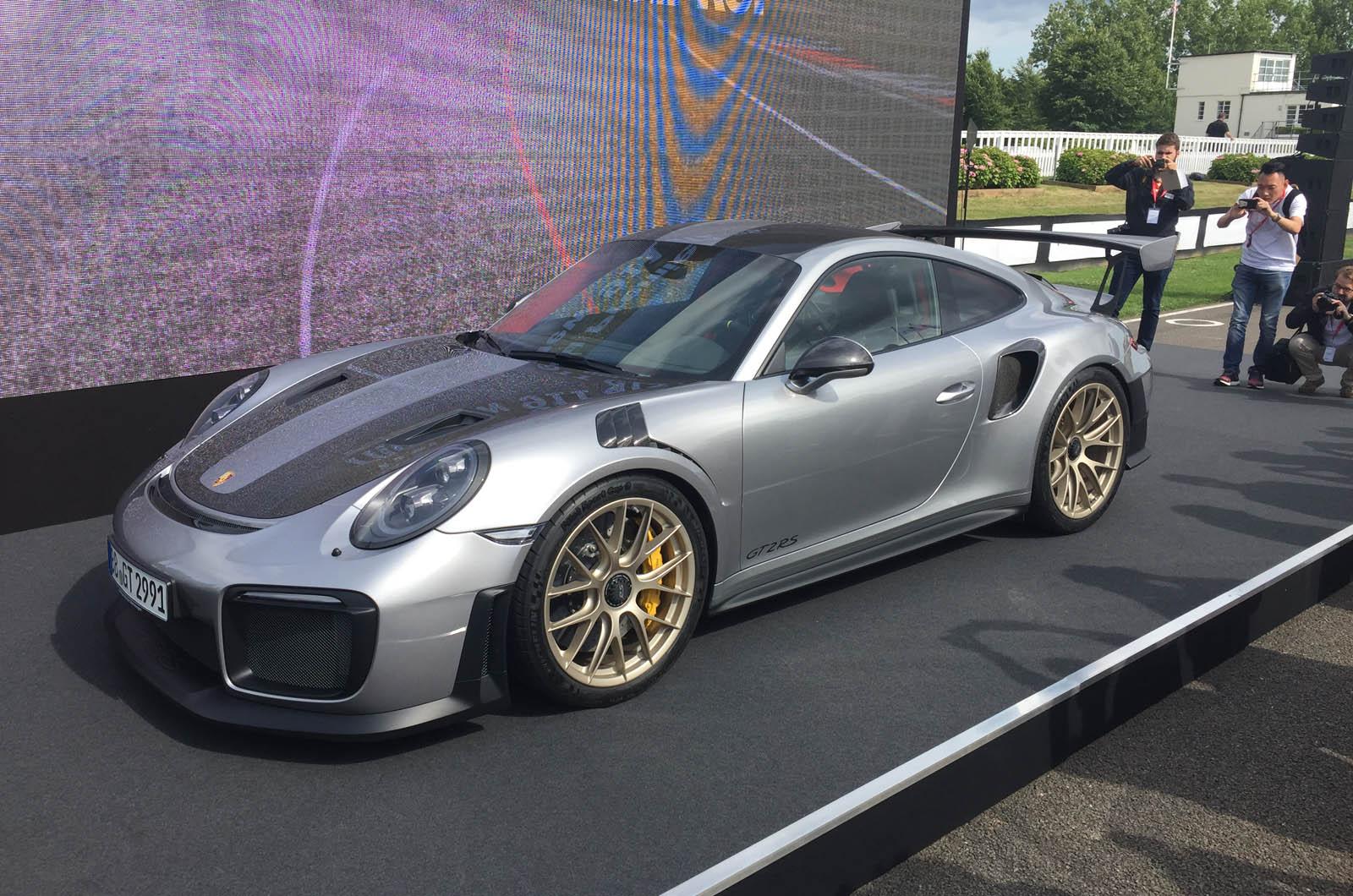 Hardcore Porsche 911 GT2 RS запустит дебют в Goodwood — с запуском видео