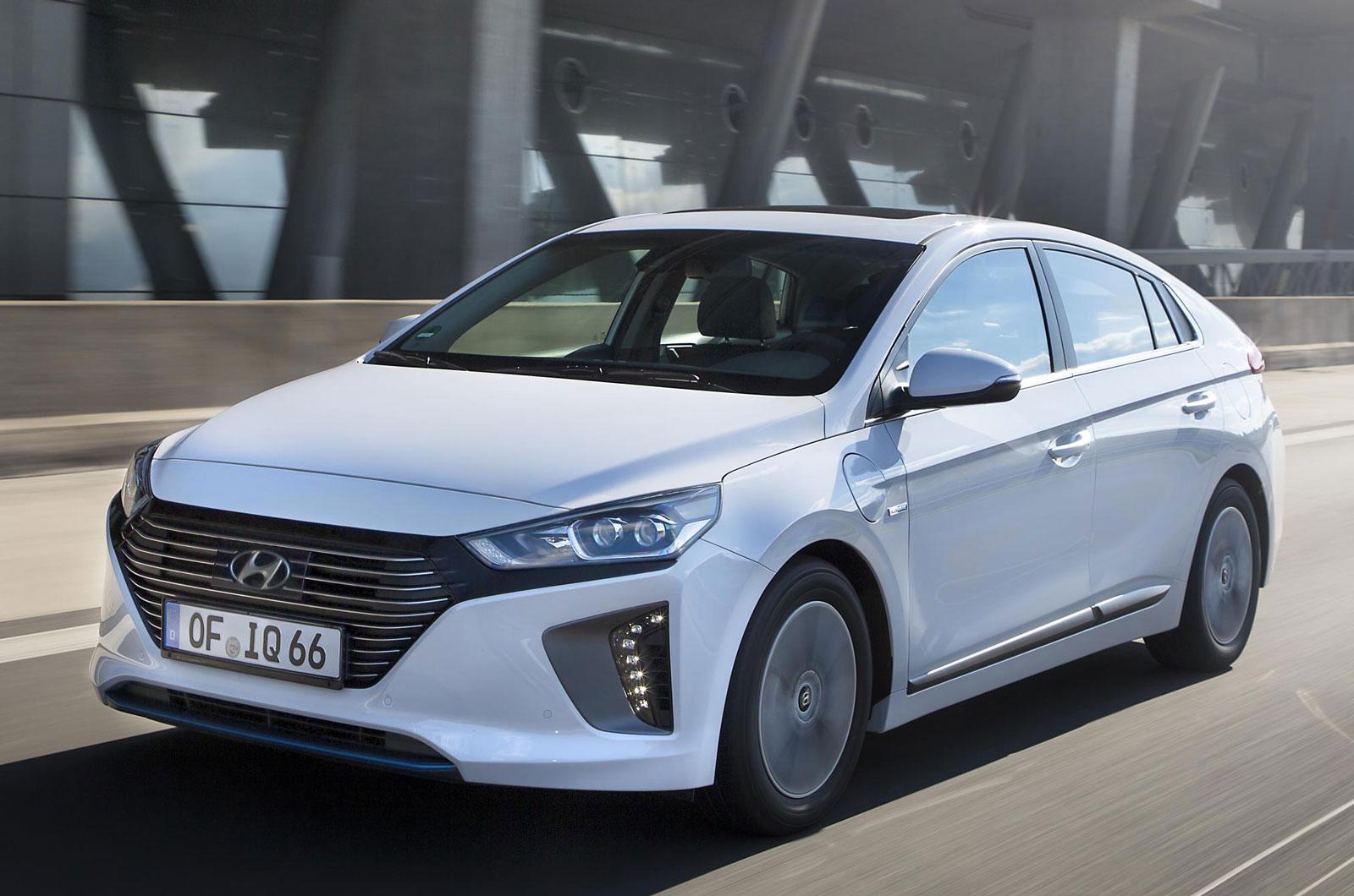 Новый плагин Hyundai Ioniq для подключения электрифицированного диапазона, стоимостью от 24 995 фунтов стерлингов
