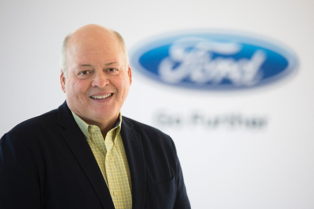 Просто сделайте решение уже: генеральный директор Ford хочет, чтобы автопроизводитель поднял темп