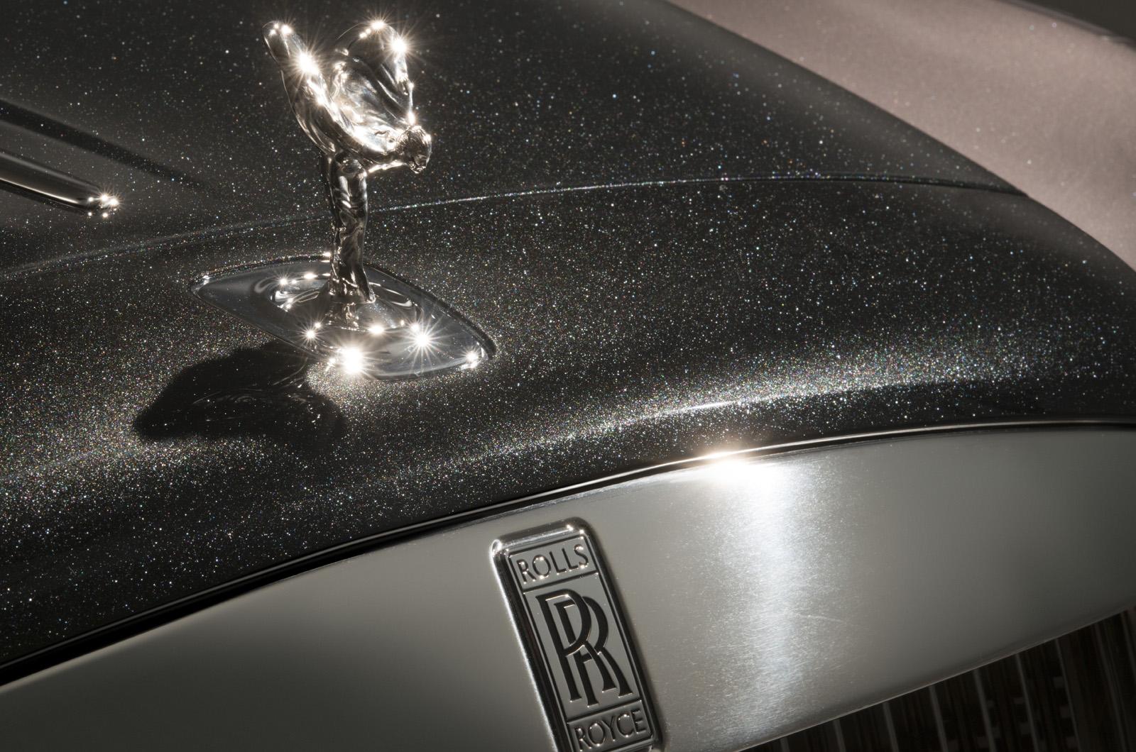 Rolls-Royce исключает гибридные силовые агрегаты перед электрическими моделями
