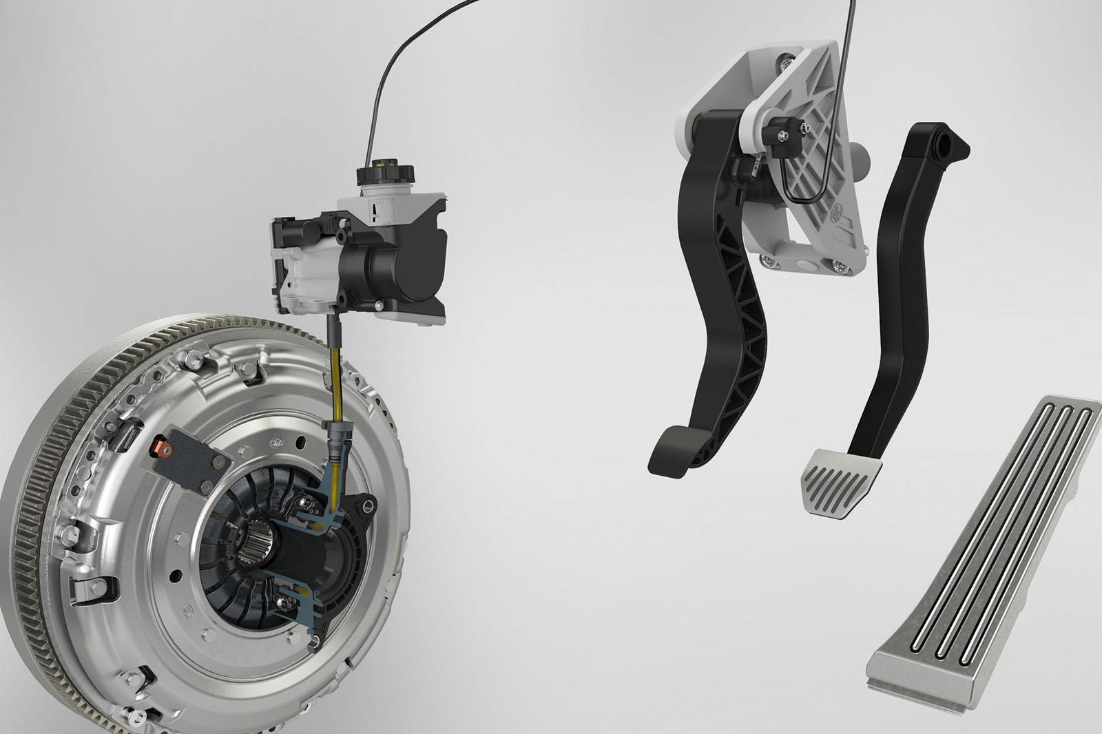 Новая муфта позволяет гибридам запускать механические коробки передач