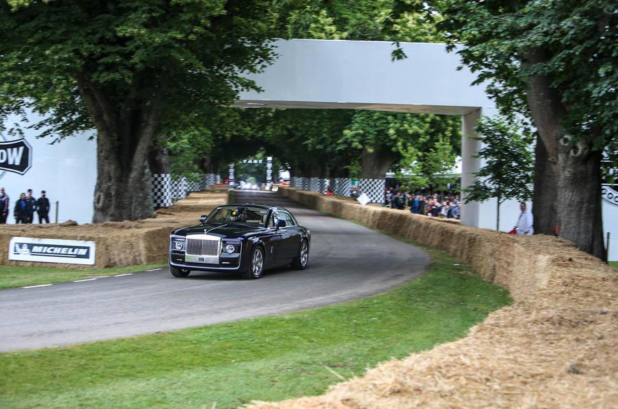 Rolls-Royce Sweptail: что это такое, чтобы водить на заказ одноразовое в Гудвуде