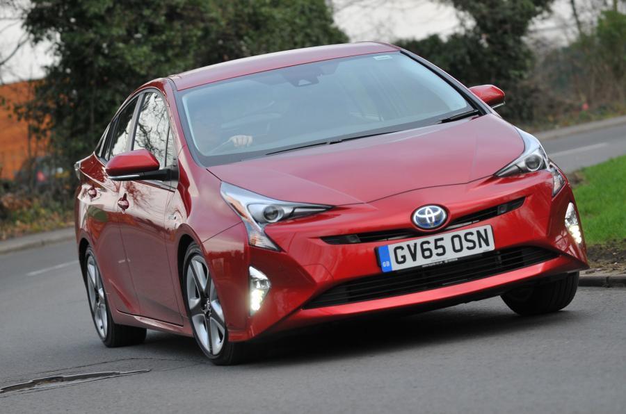 Продажи электрифицированных автомобилей Toyota выросли на 30% в первой половине 2017 года