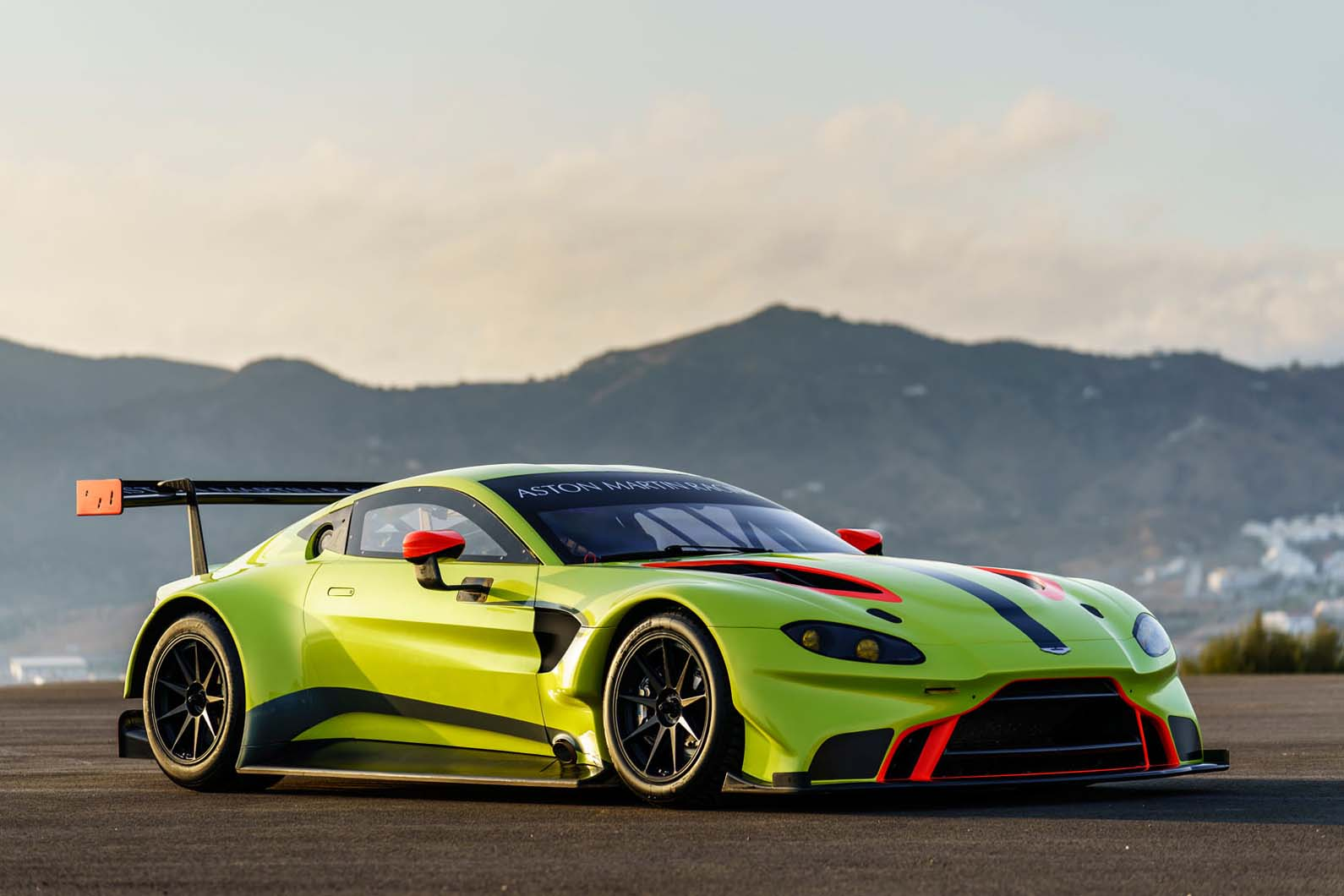Объявлен новый победитель Aston Martin Vantage GTE Le Mans