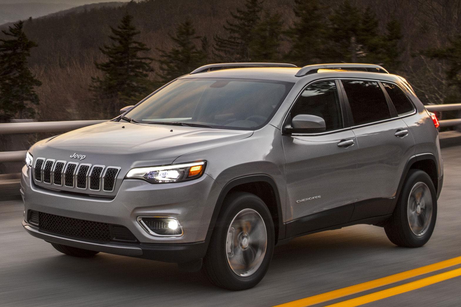 Jeep Cherokee продемонстрировал опережение автосалона в Детройте
