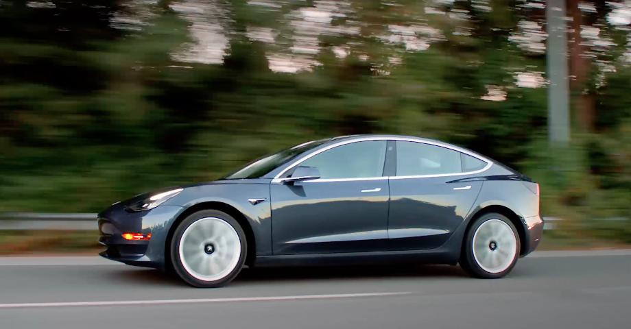 Двухмоторный Tesla Model 3 «Вероятно», в июле