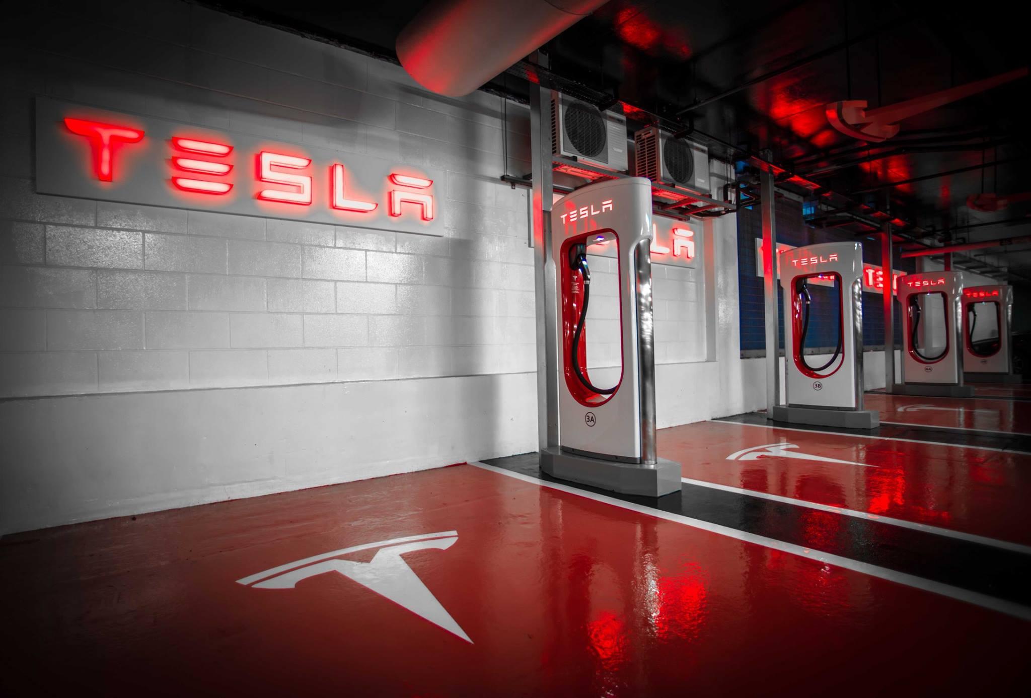 Распаковка Elon Musk и текущая проблема PR в Тесле