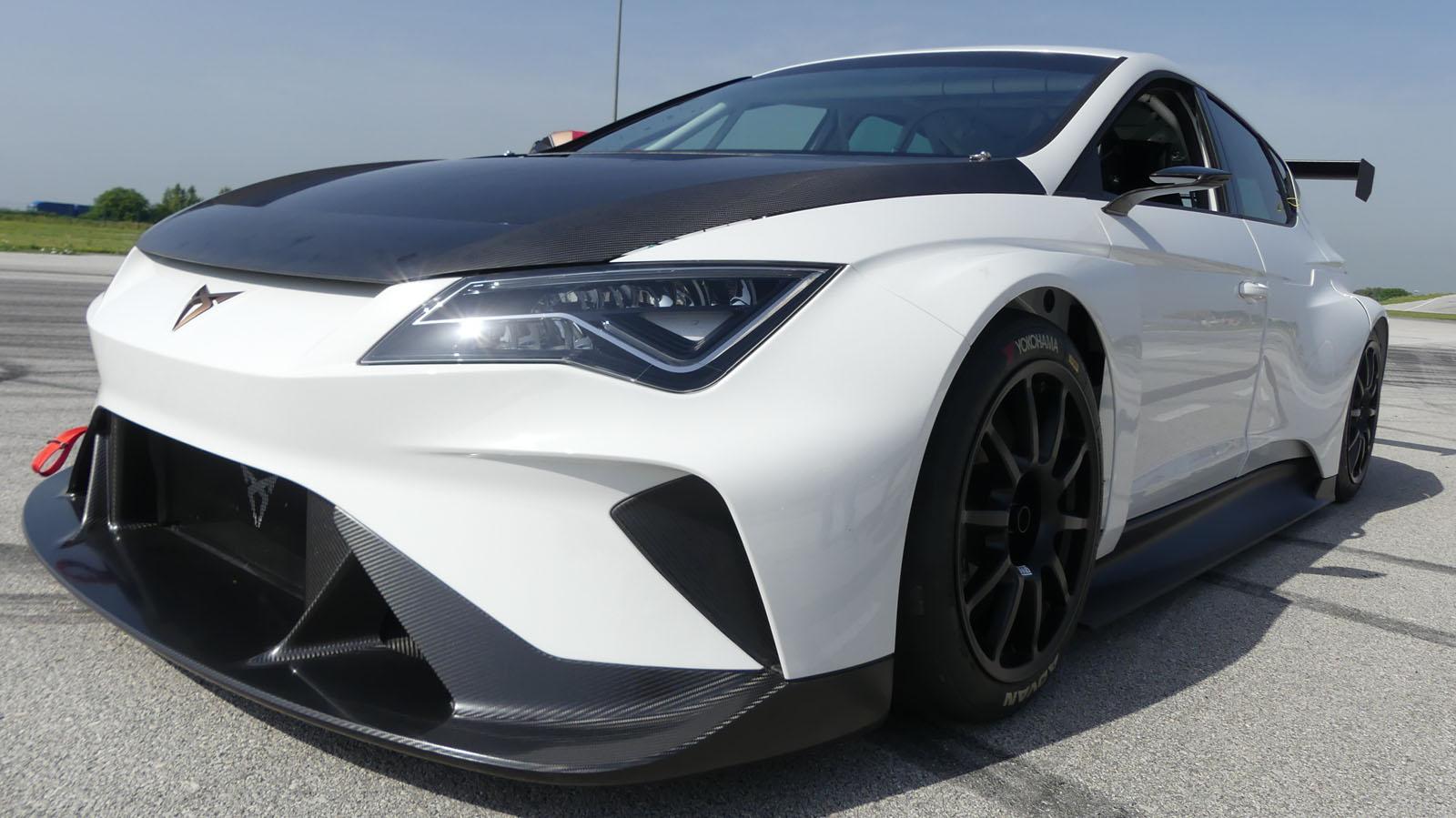 Cupra подтверждает характеристики 6 гоночного автомобиля e-Racer 670 л.с.