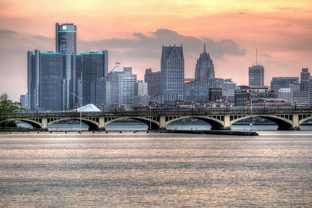 Лучшие Продажи Транспортного Средства В Детройт? Неа, Попробуй Еще Раз